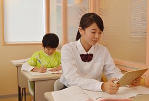 講師不要のIT教材を採用! 『自立学習RED』で開業するメリットをご紹介!